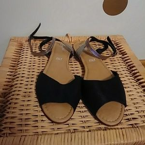 NWOT Seychelles Made in Italy Sandals